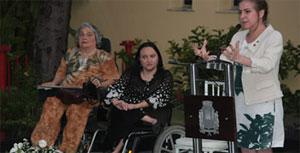 Ana Beatriz (centro) em evento da Prefeitura de Fortaleza