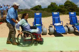 Mosana Cavalcanti é levada pela areia na esteira de 30 metros até o mar