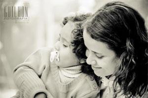 Amor incondicional da mãe pela filha ajuda a superar os obstáculos que a vida impõe