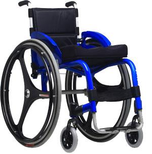 Exemplo de cadeira monobloco, mais leve e fácil de desmontar