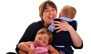 Jilly Smithson com os filhos Emily e Tom