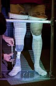 Prótese de perna sendo produzida